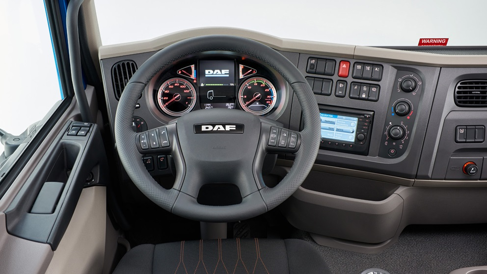 117127687-new-daf-LF-steering-wheel.jpg
